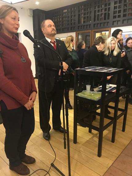 Руководитель студии «Индиго» г.Троицк Чернышева И.Ю. приветствует участников выставки.